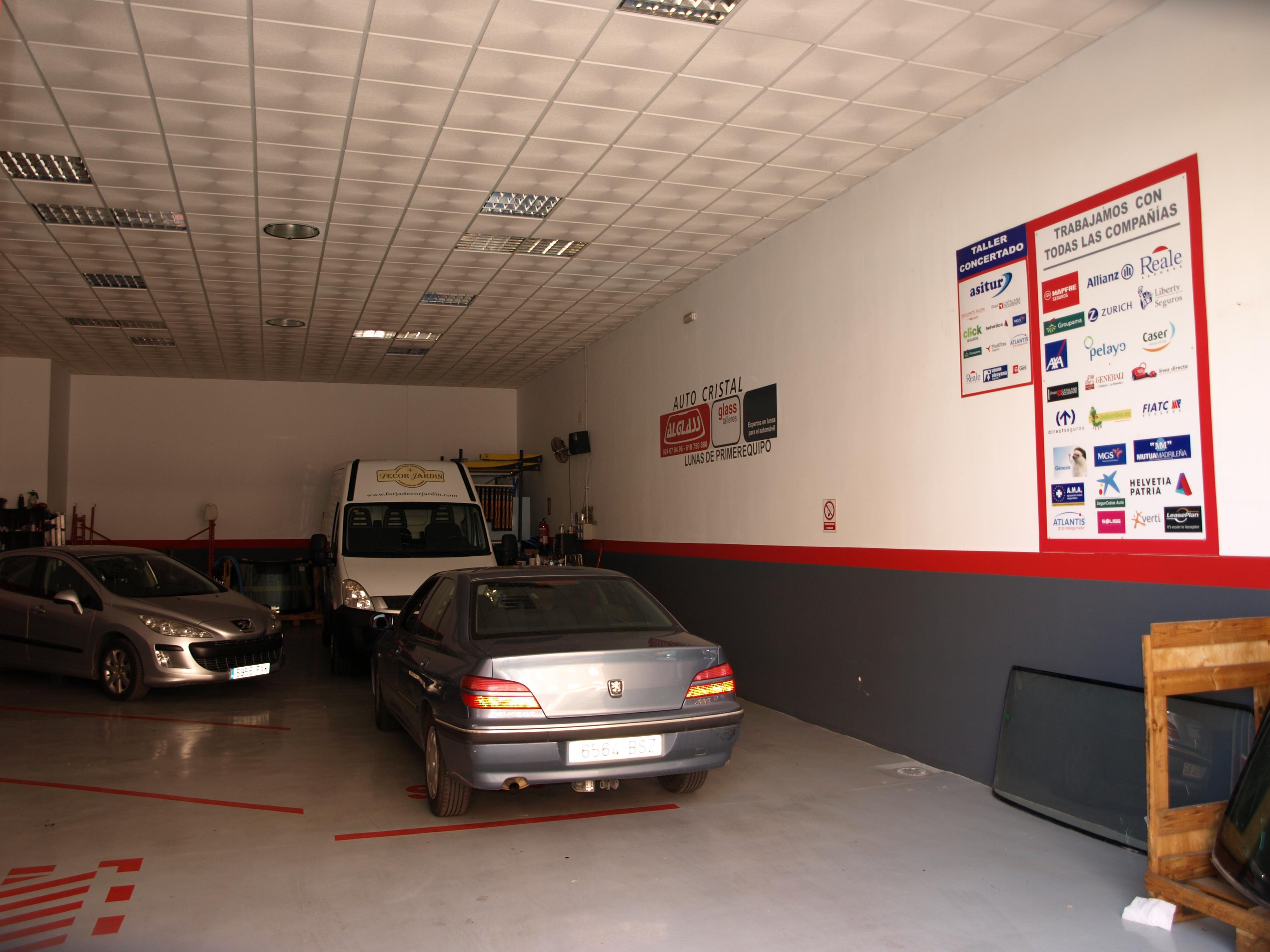 España Alglass , Cristalería del Automóvil en Almendralejo