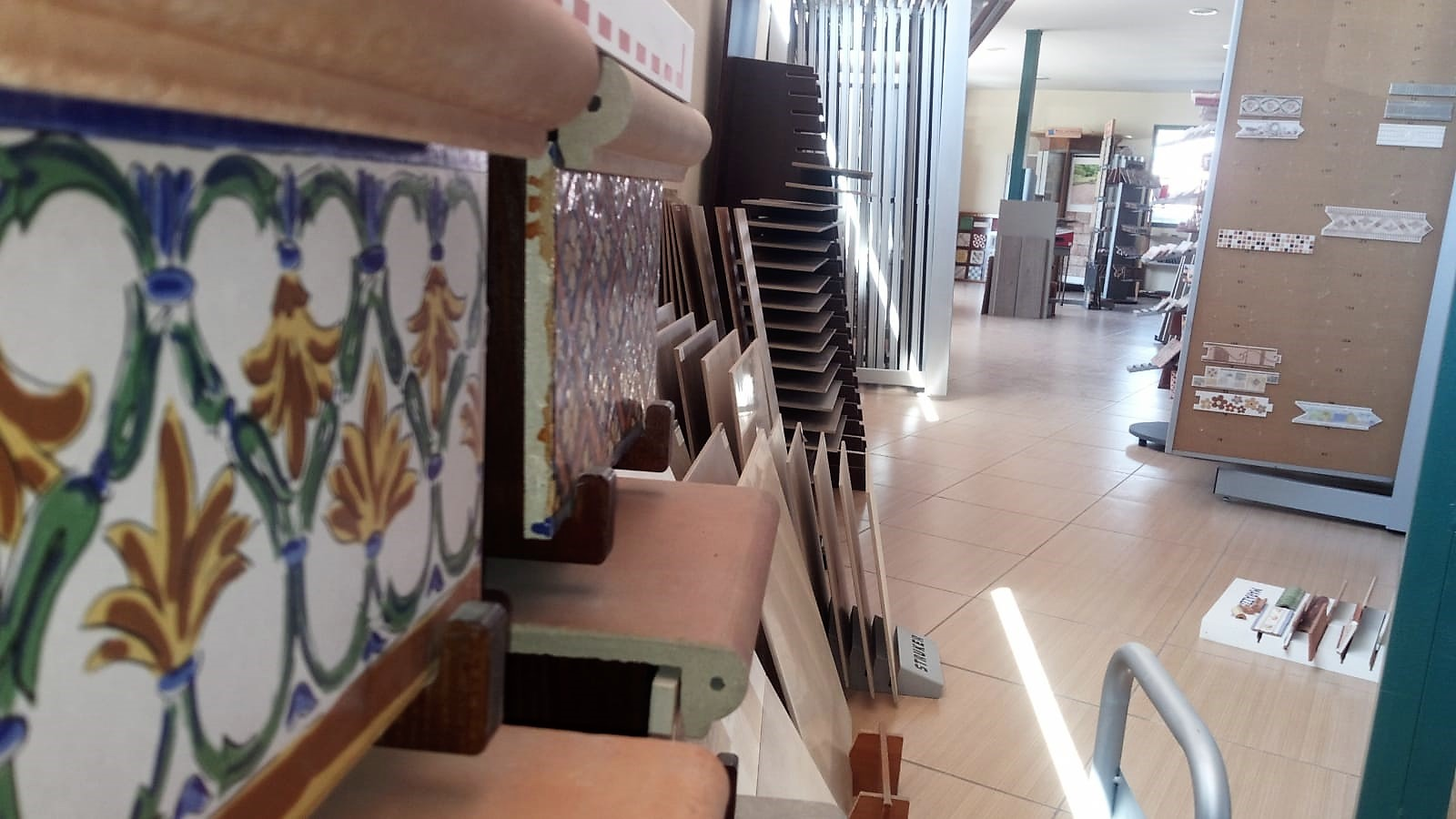 Almacén Materiales de construcción en la Vera Macrodilla jarandilla de la Vera