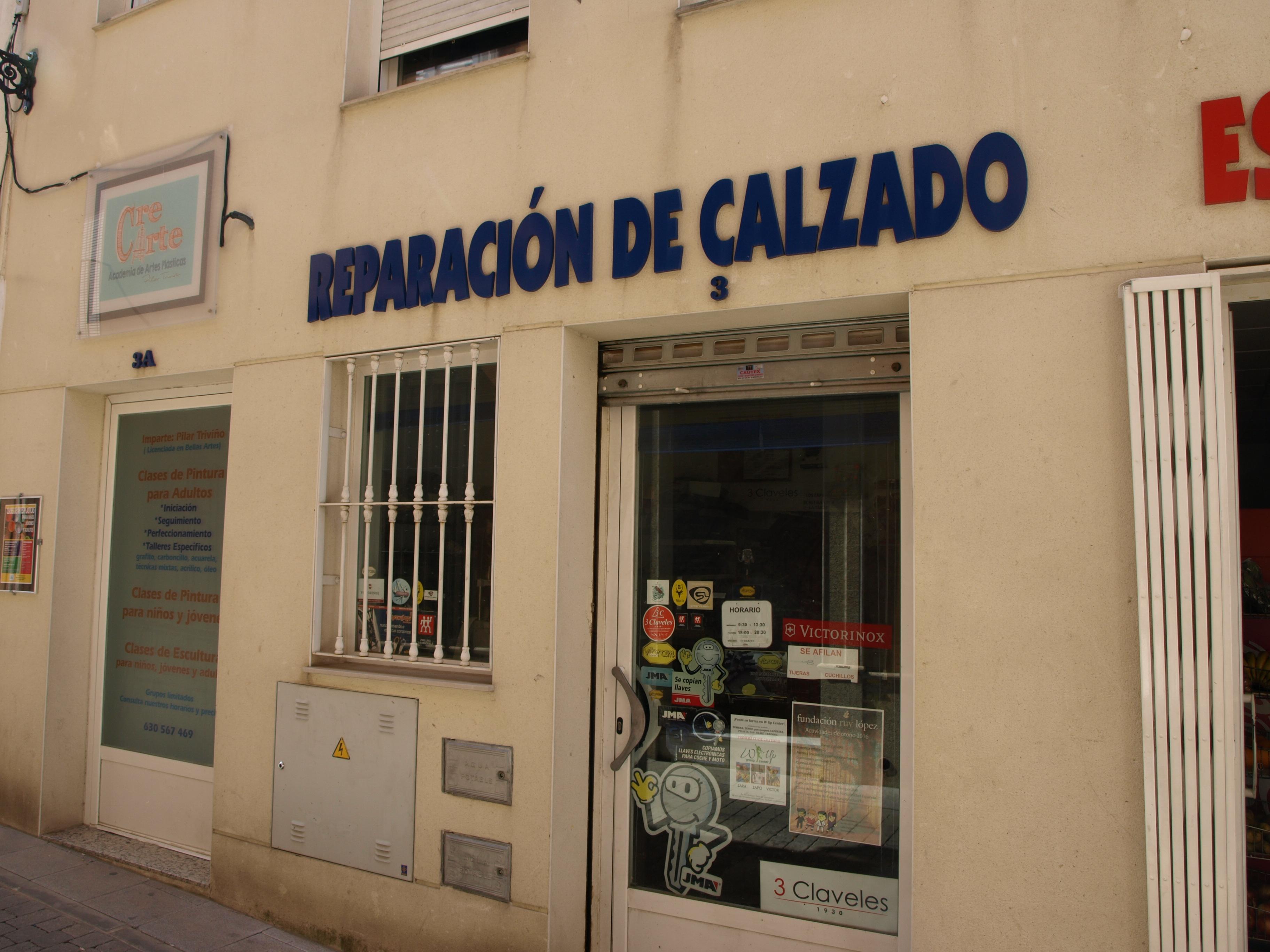 REPARACION DE CALZADO Y AFILADO EN ALMENDRALEJO