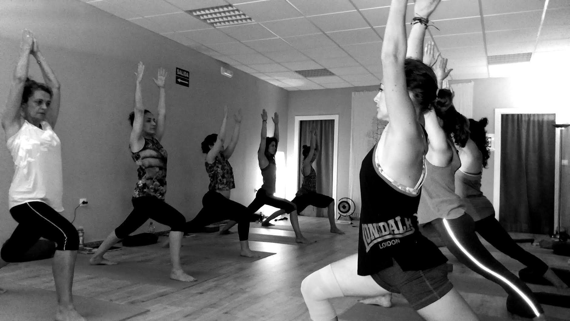 España Yoga en Cáceres orbita Profesores de yoga Órbita