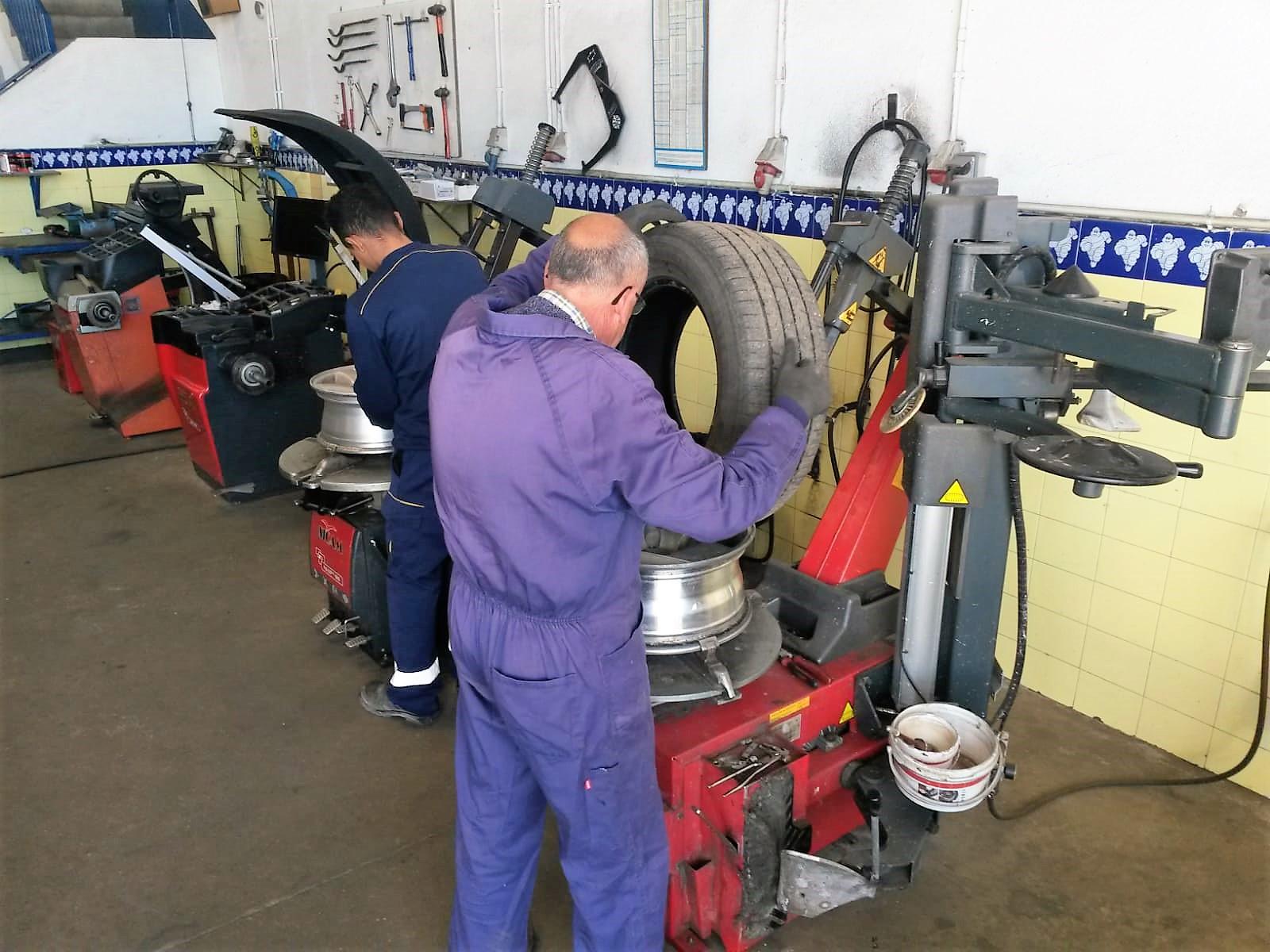 España Neumáticos ruedas en Coria Jose Luis