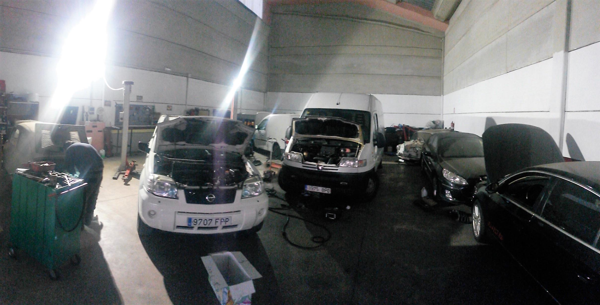Taller de mecánica general en Cáceres AXM
