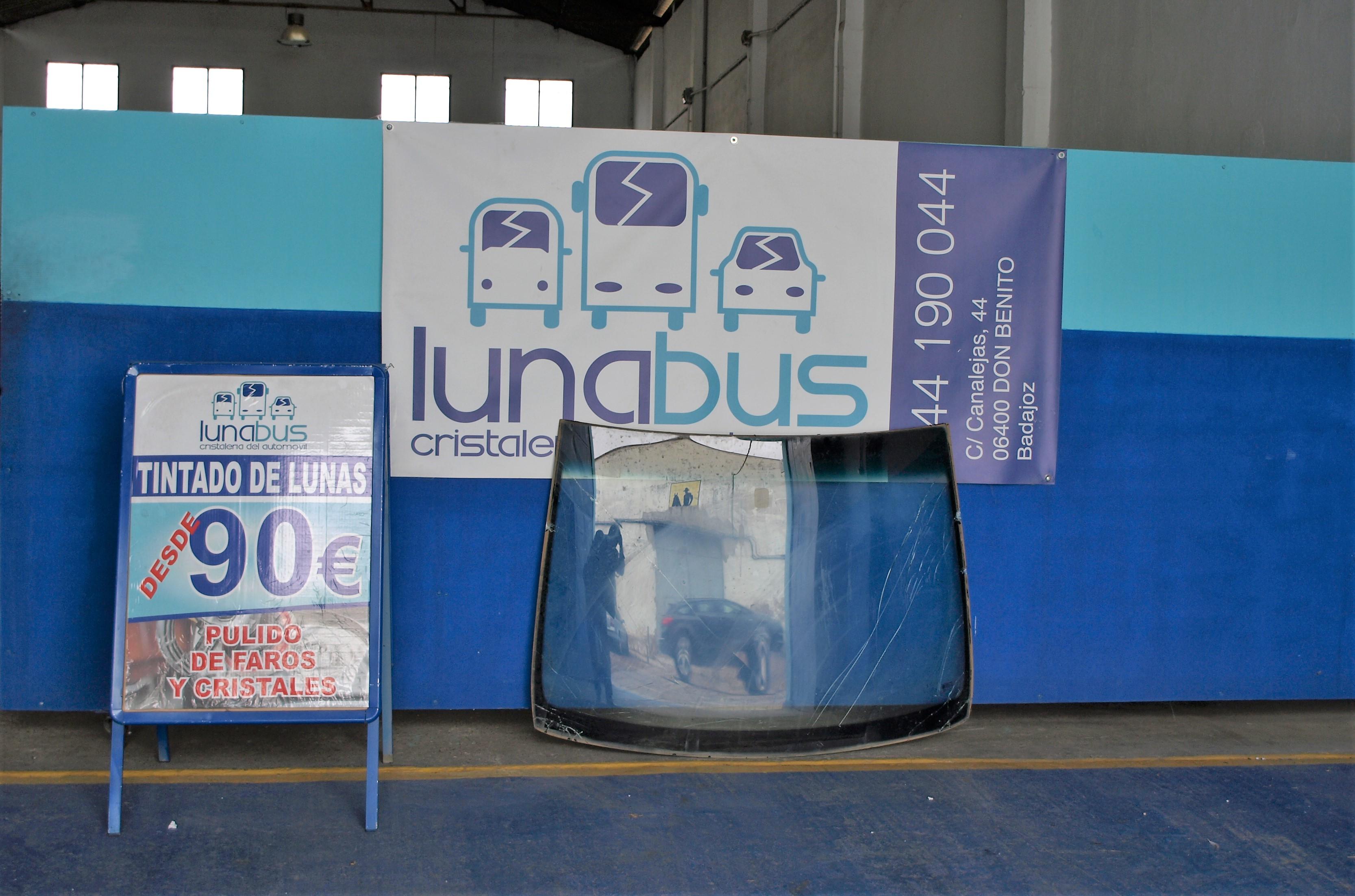 Cristalería del Automóvilen Don Benito Lunabus,