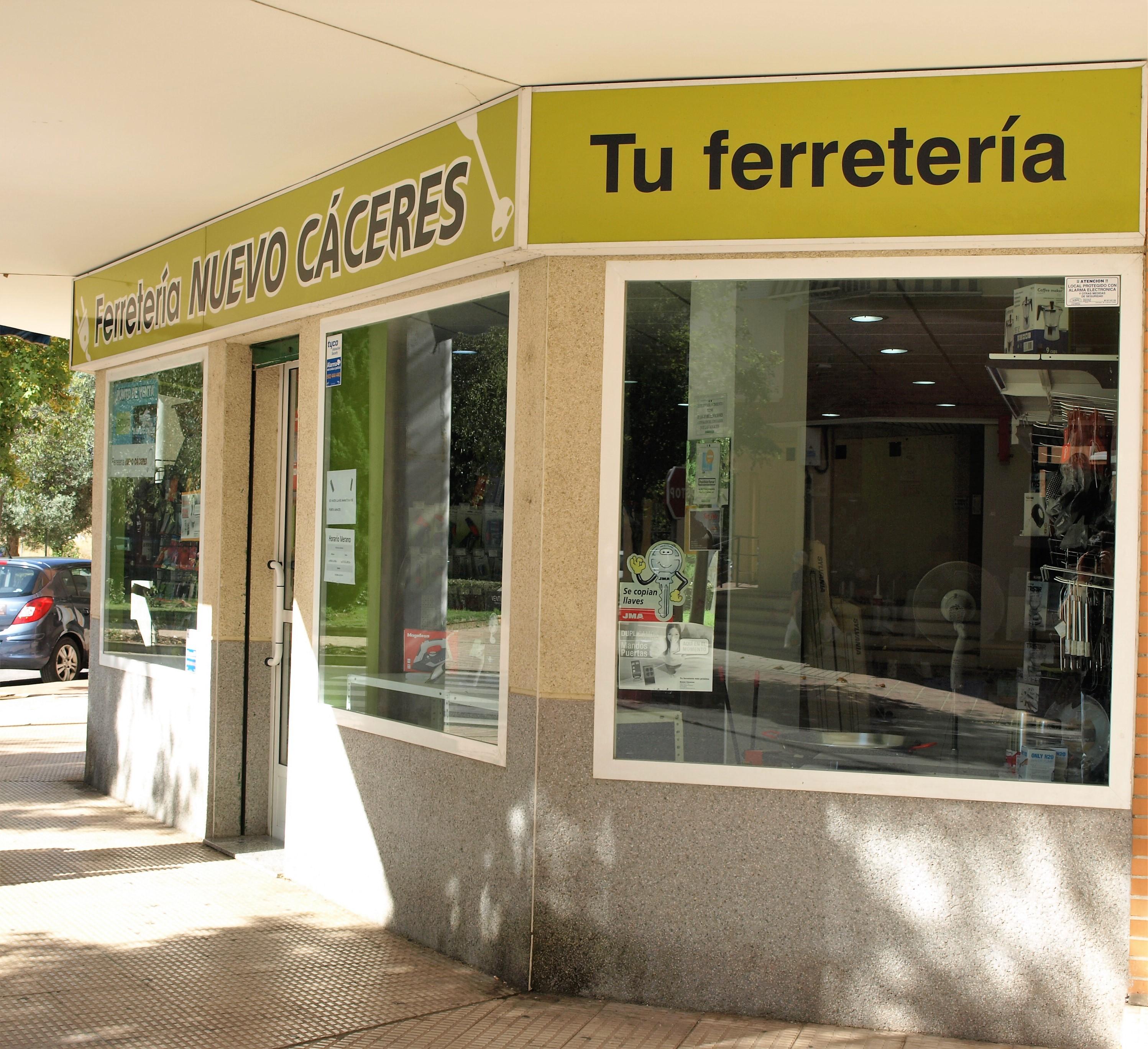 España Mantenimento comunidades Cáceres Ferreteria Nuevo caceres Iluminación