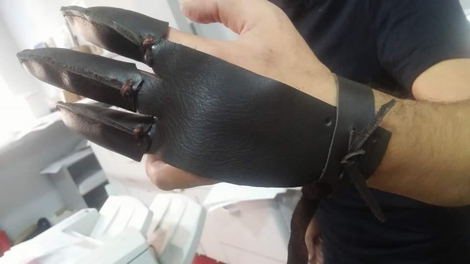 España Artesano del cuero en Cáceres Zapatorapid